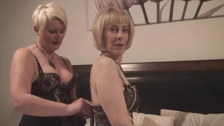 Sex met twee oudere vrouwen